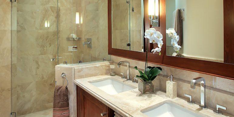 12-PF-Classic-bathroom-1