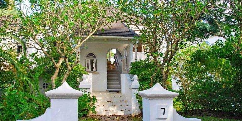 Forest Hills 7 - Entrance